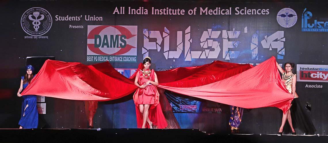 AIIMS DELHI WATCHES A PULSATING FASHION SHOW