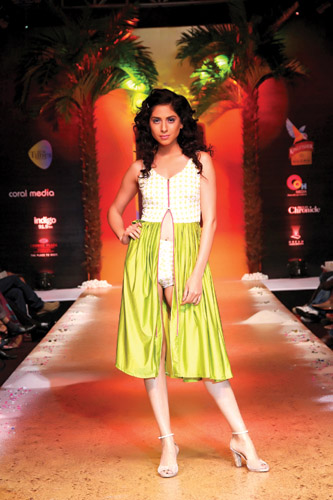 c70be5f0f1549 Bharati College s Out Of The Box Fashion - Abraxas NU